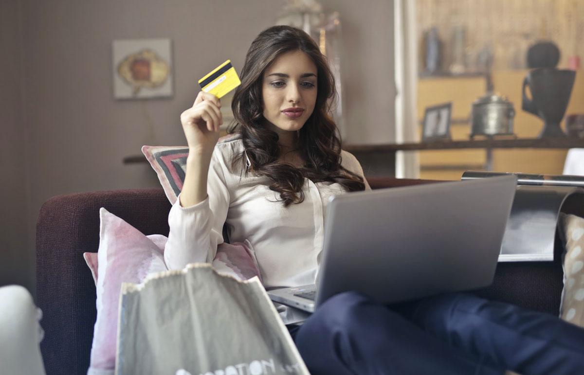 5e76e619916c E-commerce in Italia, in 10 anni triplicate le aziende che vendono online